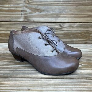 Aetrex Oxford Lace Up Booties
